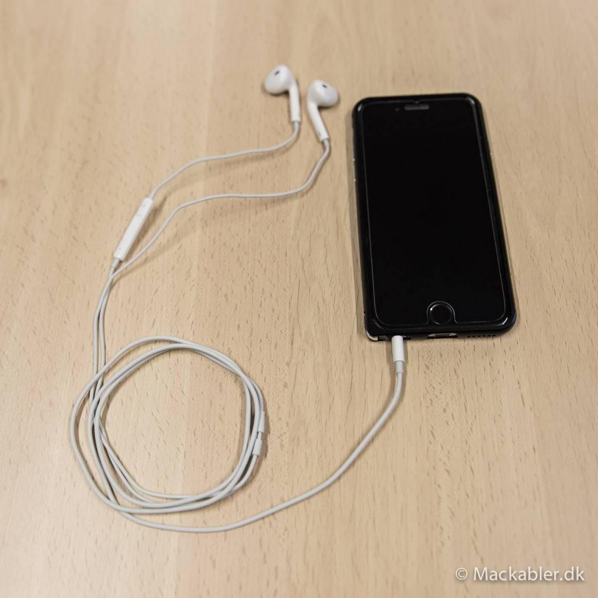 iPhone5 Apple original hörlurar - Mackablar.se fra Apple bdfb23917e544