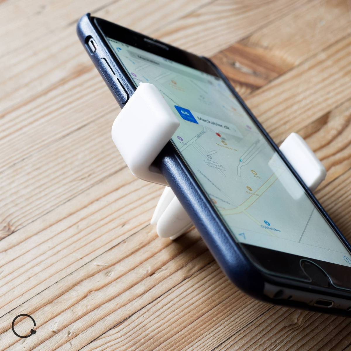 laddare till iphone och android